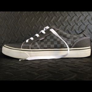 Vans low used size 10